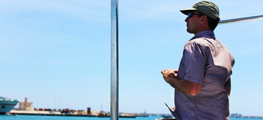 Kunde waehrend bootstour in Palma